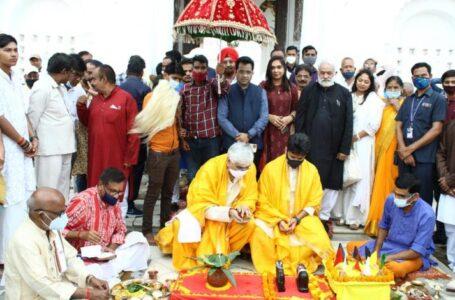 दशहरा पर्व पर स्वास्थ्य मंत्री सिंहदेव ने श्री रघुनाथ पैलेस में की शस्त्र पूजा